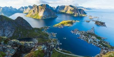 "Tina Stęposz: ""Perły północy: Islandia vs Norwegia."""